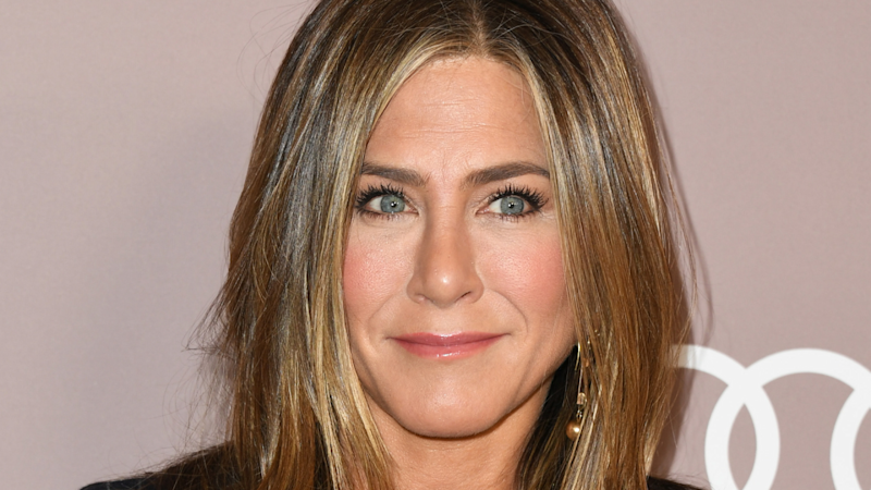 Jennifer Aniston Sets Guinness World Record With Instagram Debut