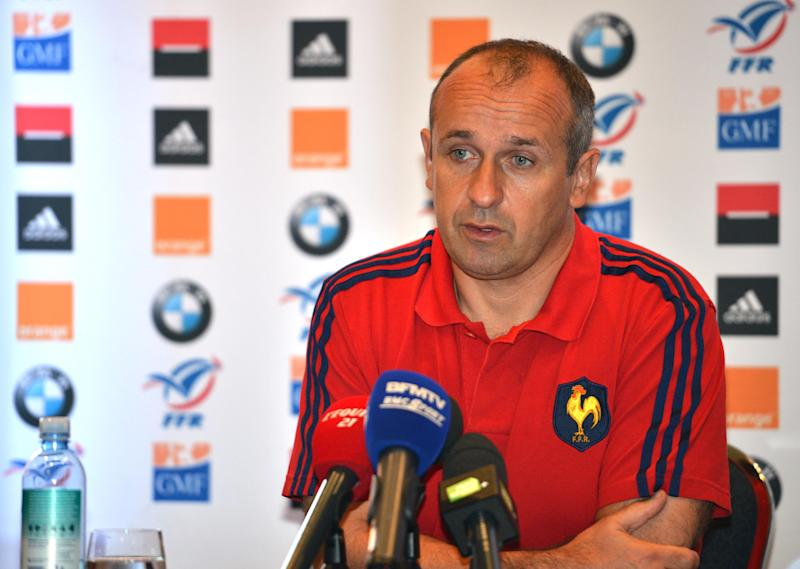 French rugby coach Philippe Saint-Andre speaks to the media as he announces the French squad ahead of their match against Australia in Sydney on June 18, 2014 (AFP Photo/Peter Parks)