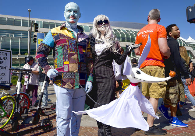 <p>Wesley Tarr and Alex Drastal dress as characters Sally and Jack from <em>The Nightmare Before Christmas</em> at Comic-Con International on July 19, 2018, in San Diego. (Photo: Richard Vogel/AP) </p>