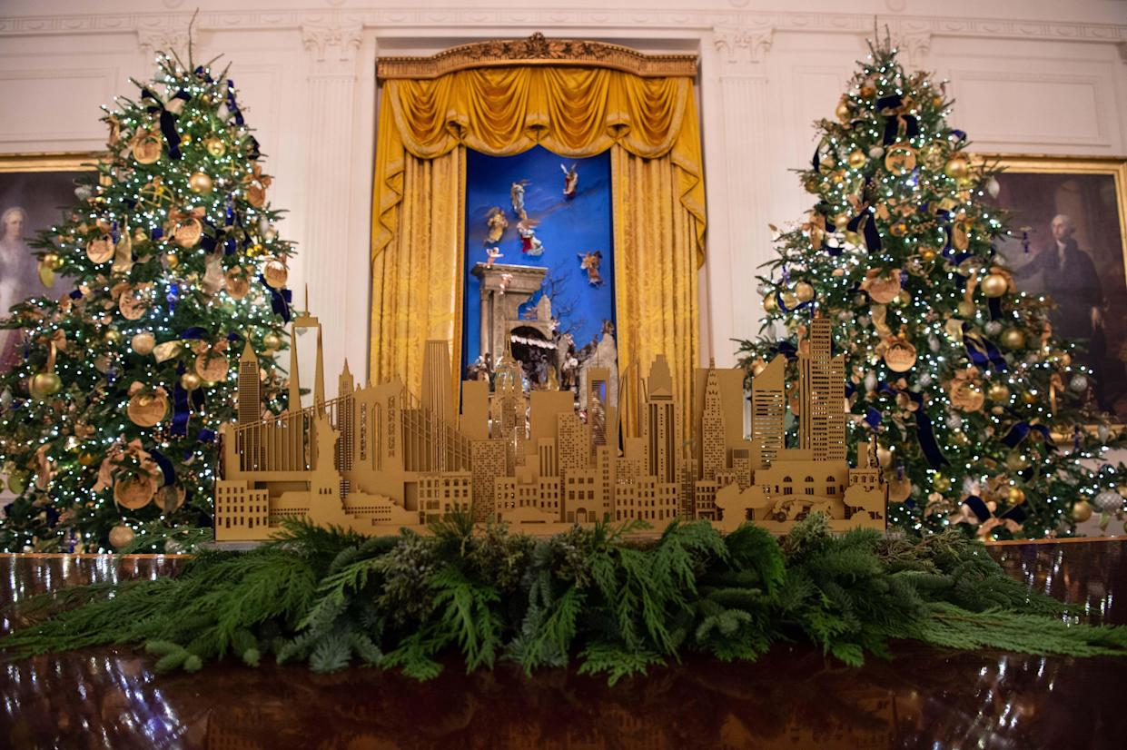 Christmas decorations are seen at the White House during a preview of the 2018 holiday decor in Washington, D.C., on Nov. 26, 2018. (Photo: Nicholas Kamm/AFP/Getty Images)