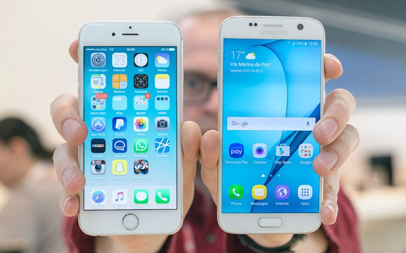 Samsungs New Galaxy S7 And Galaxy S7 Edge Flagship Phones Are Now Six Days Old Apples Iphone 6s And Iphone 6s Plus Are Six Months Old