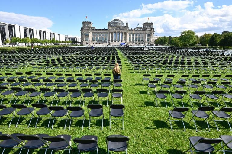 13,000 chairs outside German parliament in Greek migrant camps protest