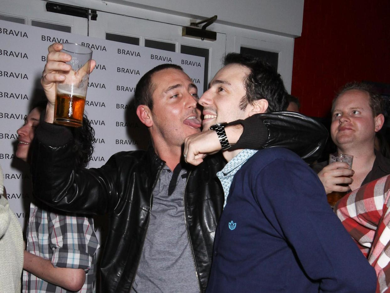 'Two Pints' co-stars Will Mellor and Ralf Little in 2009. (Getty Images)