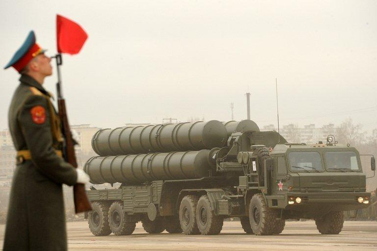 A Russian S-300 surface-to-air missile system is seen at a rehearsal of the Victory Day Parade in Alabino, outside Moscow, on April 18, 2012. Russian President Vladimir Putin and Israeli Prime Minister Benjamin Netanyahu discussed the conflict in Syria as concern grew about Moscow's arms deliveries to the Damascus regime and a spiralling death toll