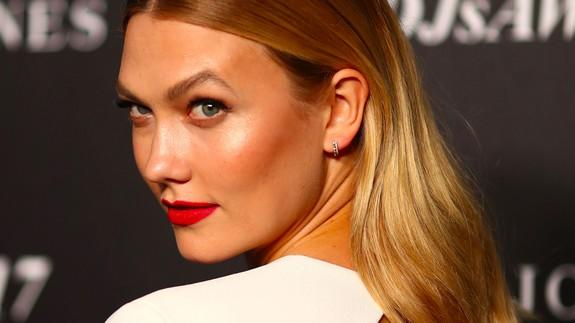 Karlie Kloss apologizes for Vogue photo shoot faux pas