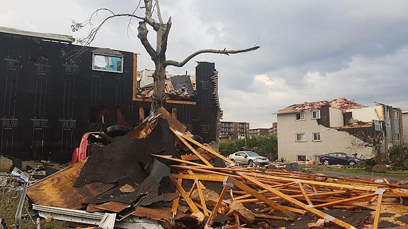 Tornado hits nation's capital and Gatineau, Quebec
