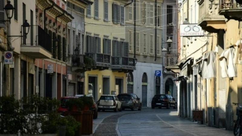 Italy further tightens restrictions to combat rising Covid-19 infections