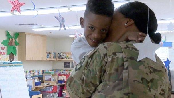 PHOTO: Shania Porter embraces her son Blake, 4, at Primrose School of Palm Valley in in Goodyear, Arizona on August 7. (KNXV)