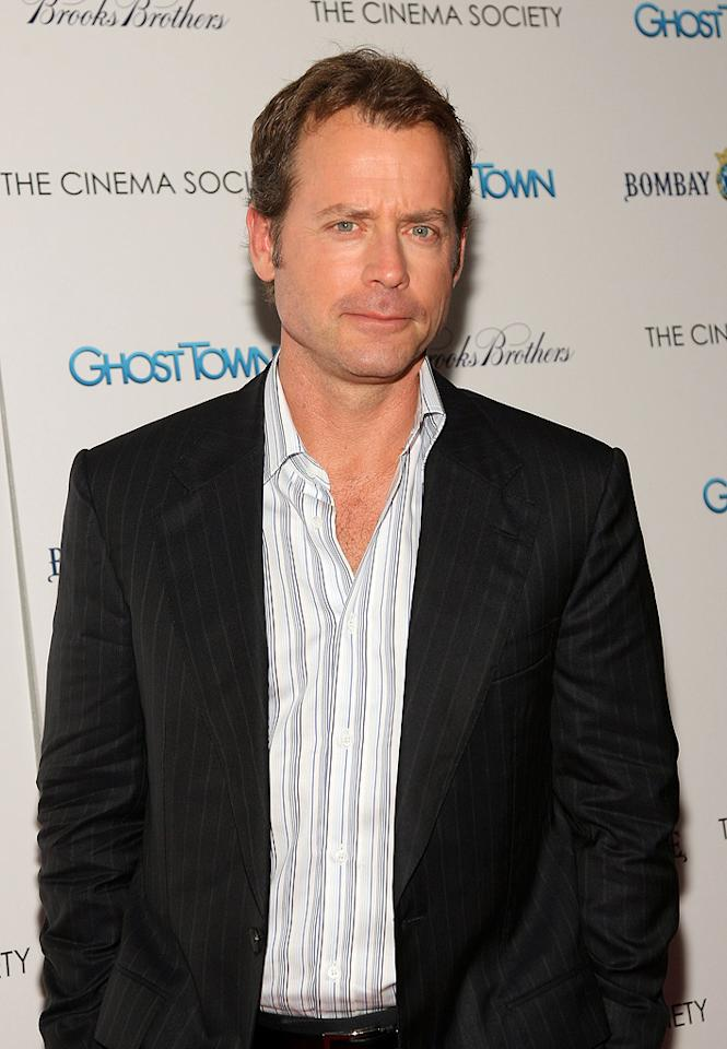 "<a href=""http://movies.yahoo.com/movie/contributor/1800019194"">Greg Kinnear</a> at the New York City premiere of <a href=""http://movies.yahoo.com/movie/1809969246/info"">Ghost Town</a> - 09/15/2008"