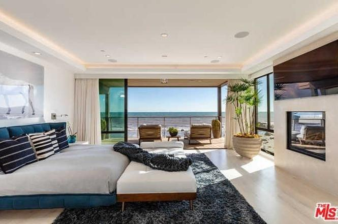 aecf4332400d Kevin Durant is selling his dreamy  13.5 million Malibu pad ...