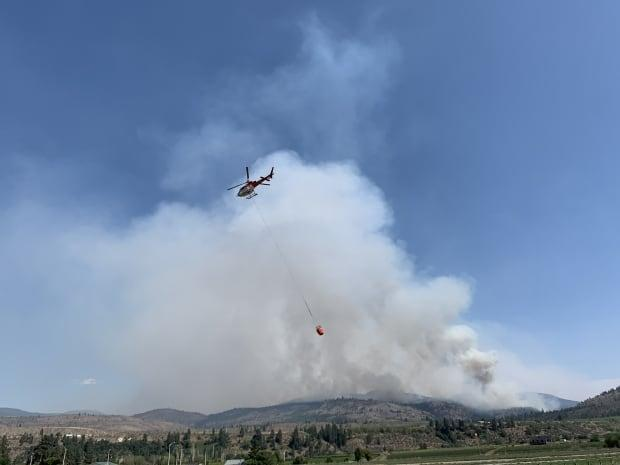 Osoyoos Lake wildfires in British Columbia on July 22, 2021. (Alexandre Lepoutre/CBC/Radio-Canada - image credit)