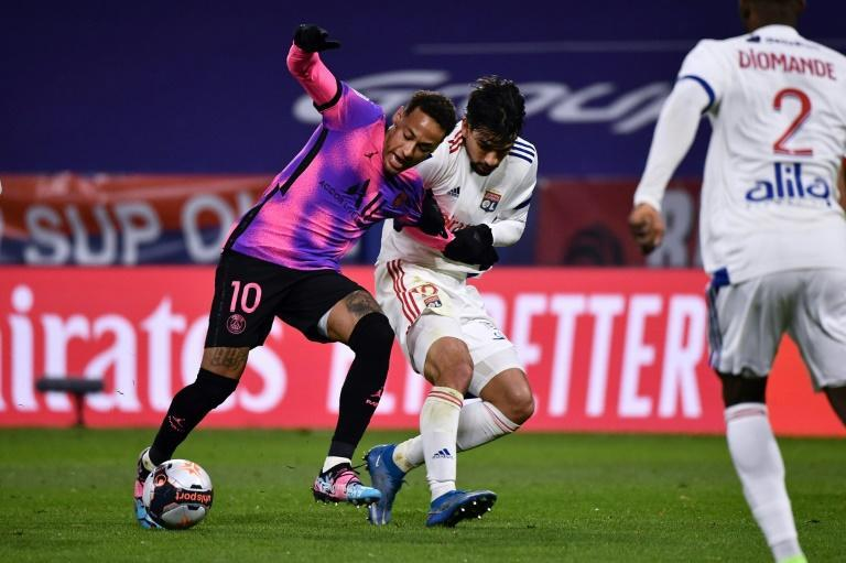 Neymar (L) returned from injury in the 4-2 win at Lyon last month