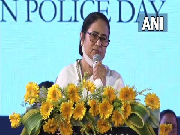 West Bengal Chief Minister Mamata Banerjee addressing during a programme in Kolkata on Wednesday. [Photo/ANI]