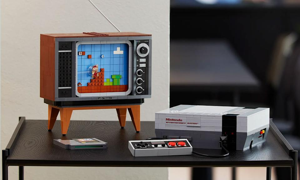 Holiday Gift Guide: Super Mario Nintendo Entertainment System
