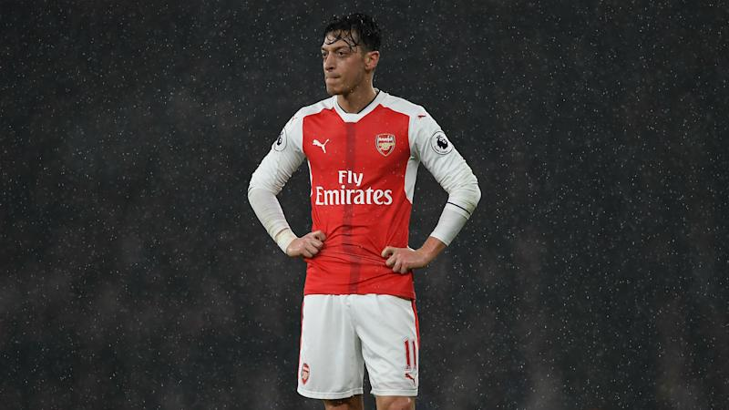 Options limited if Ozil leaves Arsenal, Ballack claims