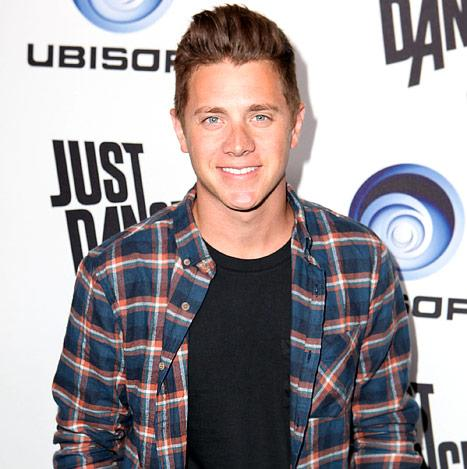 Jef Holm Parties, Dances Without Emily Maynard at Bash