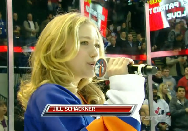 Islanders' anthem singer replaces 'O Canada' lyric with line from 'America the Beautiful'