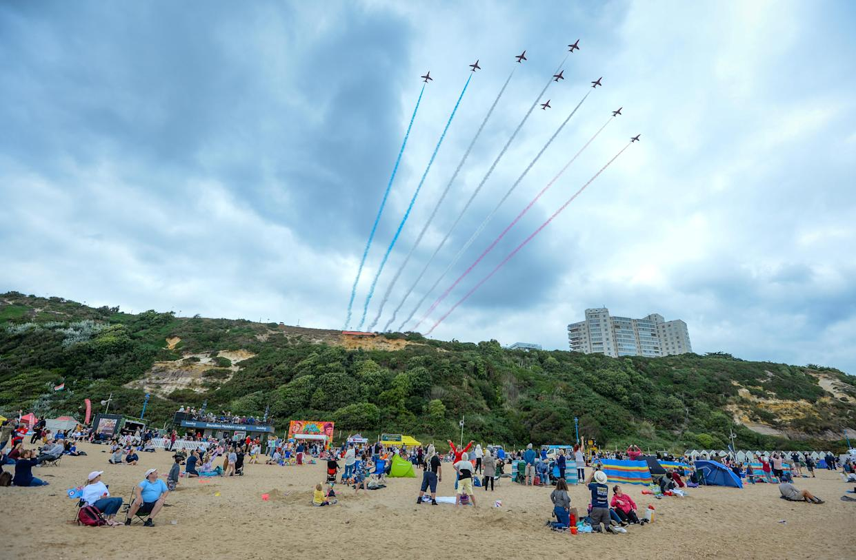 BOURNEMOUTH, ENGLAND - SEPTEMBER 02: The Red Arrows perform during the Bournemouth Air Festival on September 02, 2021 in Bournemouth, England. The air show runs from the 02nd to 05th September and features numerous displays including a performances by the RAFAT Red Arrows, RAF Typhoon, Chinook and full Battle of Britain memorial flight. (Photo by Finnbarr Webster/Getty Images)