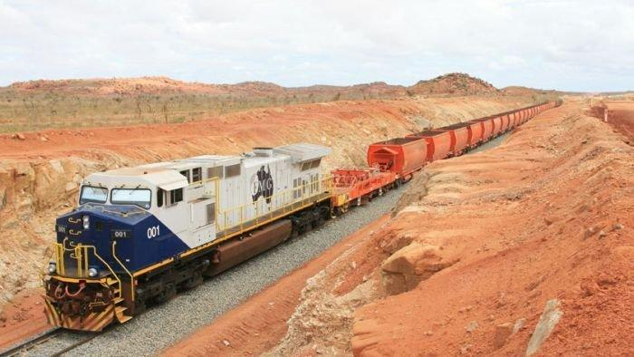 Fortescue delays expansion, cuts 'several hundred' jobs