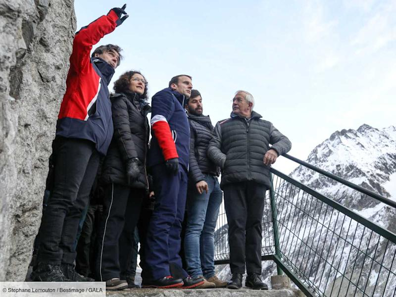 PHOTOS - Emmanuel Macron : pourquoi sa tenue de ski attire toutes les attentions