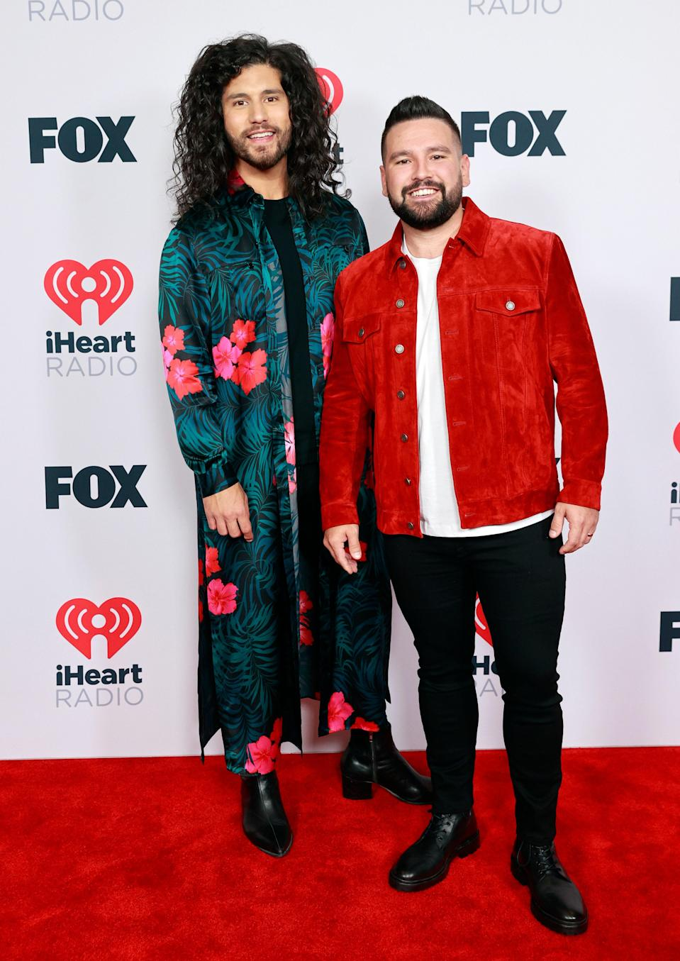Dan and Shay played with pops of color opting for tropical prints and statement jackets.