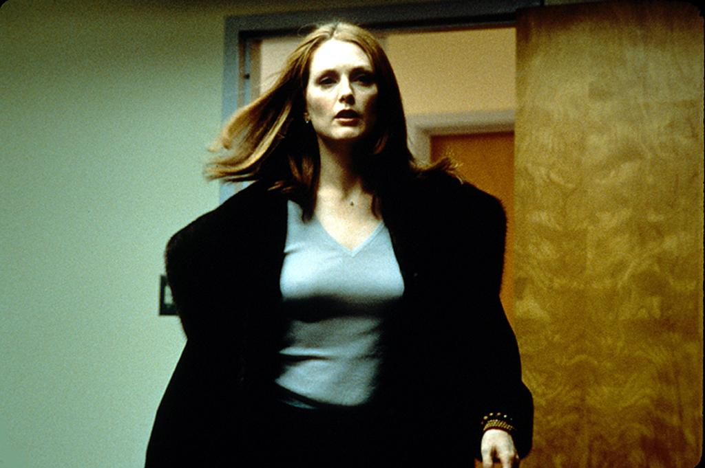 """<a href=""""http://movies.yahoo.com/movie/contributor/1800020233"""">Julianne Moore</a> in New Line Cinema's <a href=""""http://movies.yahoo.com/movie/1800023240/info"""">Magnolia</a> - 1999"""