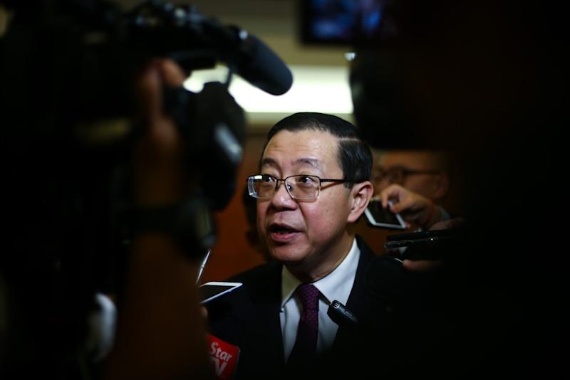 Finance Minister Lim Guan Eng answers reporters' questions in Parliament November 21, 2018. — Picture by Ahmad Zamzahuri