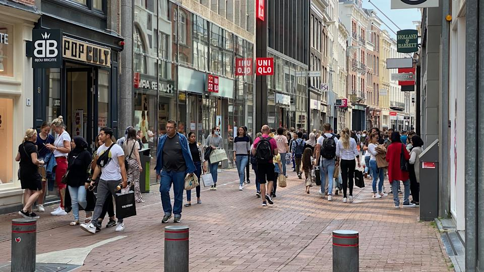 AMSTERDAM, NETHERLANDS - JUNE 26: A general view from city center after the 4th phase of the normalization in the novel coronavirus (Covid-19) pandemic, in which the mask obligation in closed areas was removed, has started as of today, in Amsterdam, Netherlands on June 26, 2021. (Photo by Abdullah Asiran/Anadolu Agency via Getty Images)