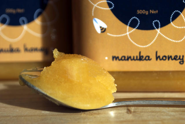 Can you tell the difference between authentic versus superficial manuka honey? (Photo: Getty Images)