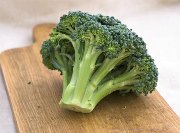 <b>Broccoli </b>is important in keeping heart and cancer disease away from you but it is equally important for eyes. It has nutrients which reduce the problems related to muscular degeneration and loss of vision.