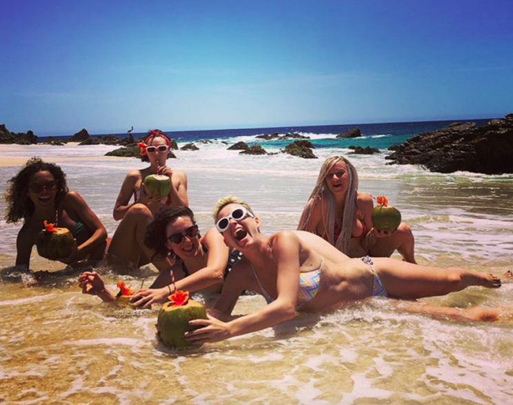 Katy Perry, with her girlfriends, saved her drink because that's the hero she is. (Photo: Instagram)