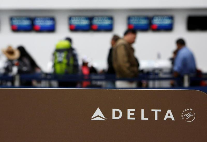 Delta Air Lines (NYSE:DAL) Updates Q1 Earnings Guidance