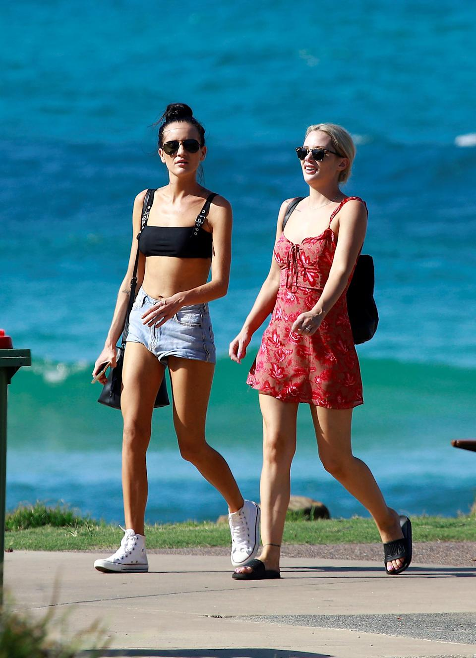 Ines and Jess kept their looks cute and casual. Photo: Diimex