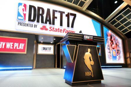 Fultz goes to 76ers, Ball to Lakers in NBA draft