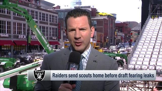 NFL Network Insider Ian Rapoport explains why the Oakland Raiders may be considering a 'surprise' pick with the No. 4 pick in the 2019 NFL Draft.
