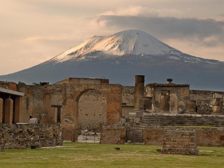 Pompeii destruction date may be wrong, archaeologists discover