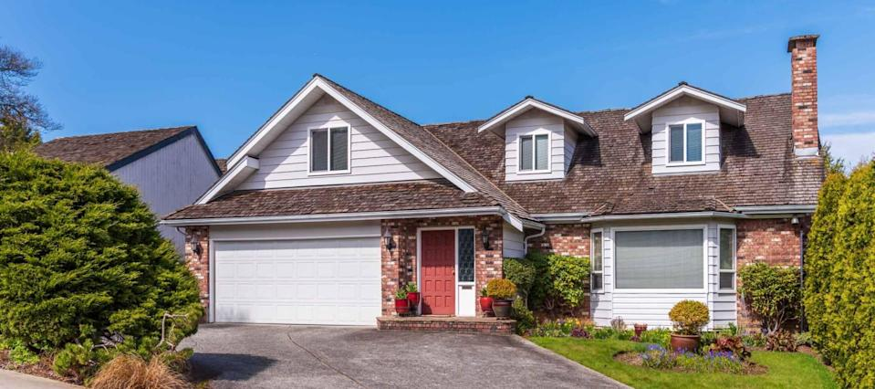 How to score a record-low mortgage rate when you buy a home