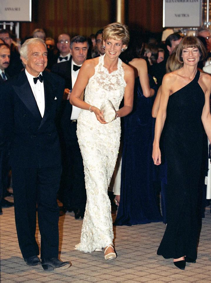 <p>Princess Diana accompanied Lauren to a charity dinner at the White House in 1996 wearing a white lace dress by the designer.</p>