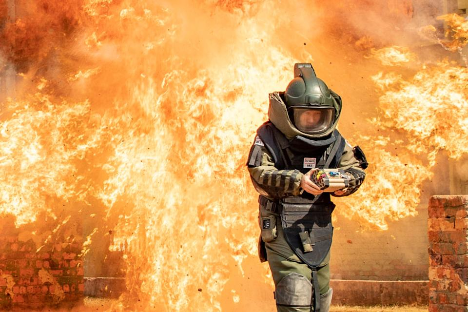 Explosive disposal professional soldiers conduct anti-jamming training in Nanning, south China's Guangxi Zhuang Autonomous Region.