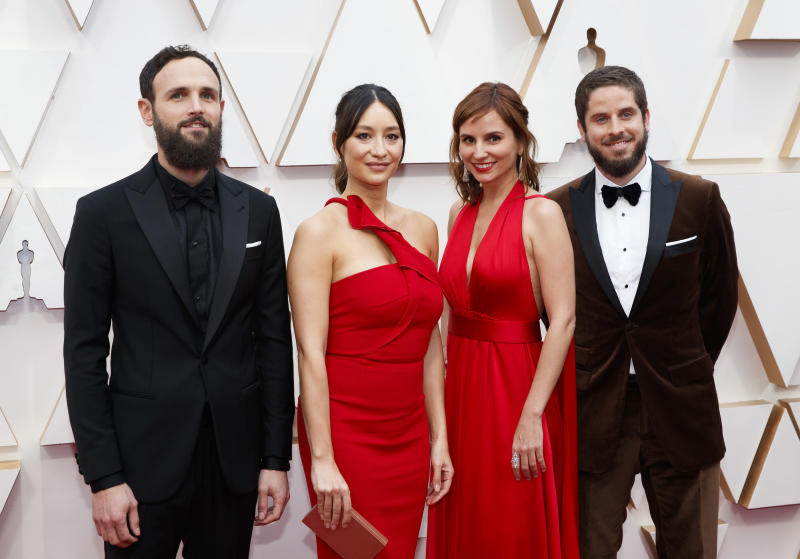 Petra Costa (centro, à direita) com outros concorrentes do Oscar 2020. Foto: Rick Rowell via Getty Images
