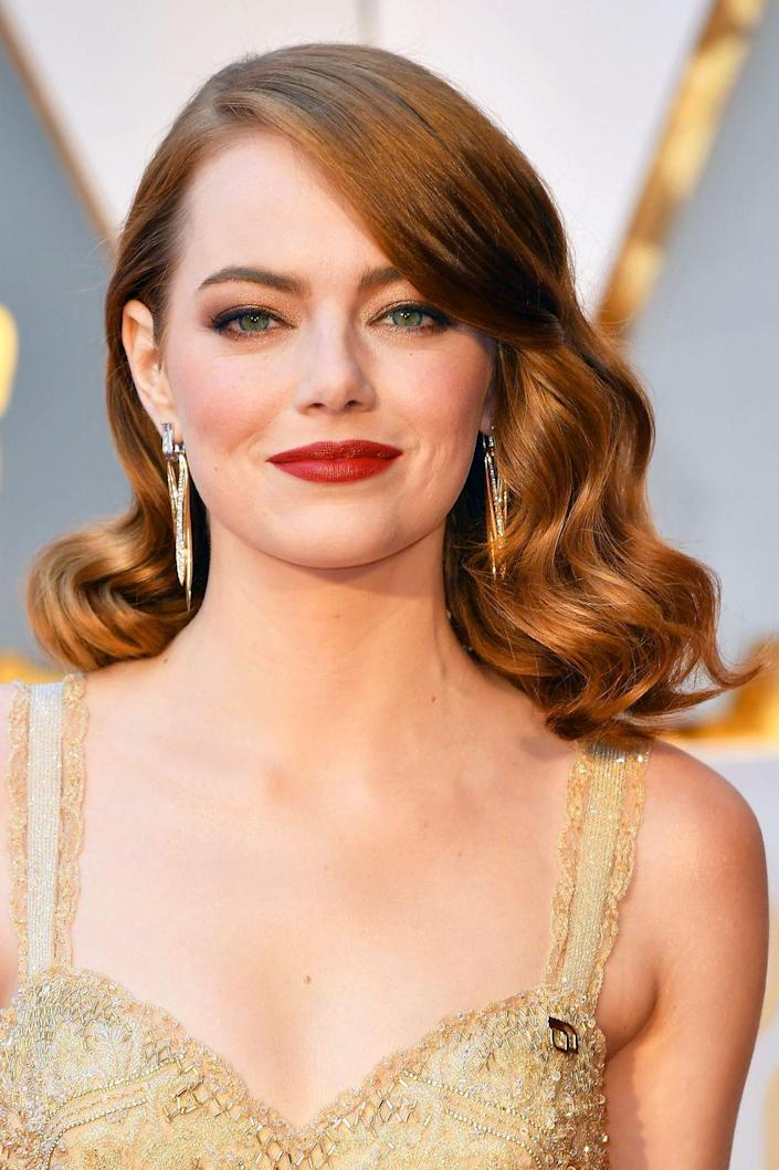<p>When you think of Emma Stone, you can't help but think of her as a redhead. It truly seems like she was meant to be a ginger!</p>