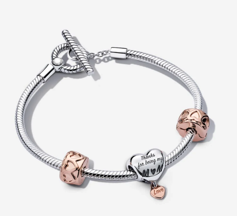 Mom's Love Bracelet Gift Set. Image via Pandora.