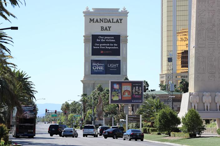 A sign offering condolences to the victims of the shooting at the Route 91 Harvest festival, outside the Mandalay Bay Resort and Casino in Las Vegas on Oct. 2, 2017. (Photo: Mike Blake/Reuters)