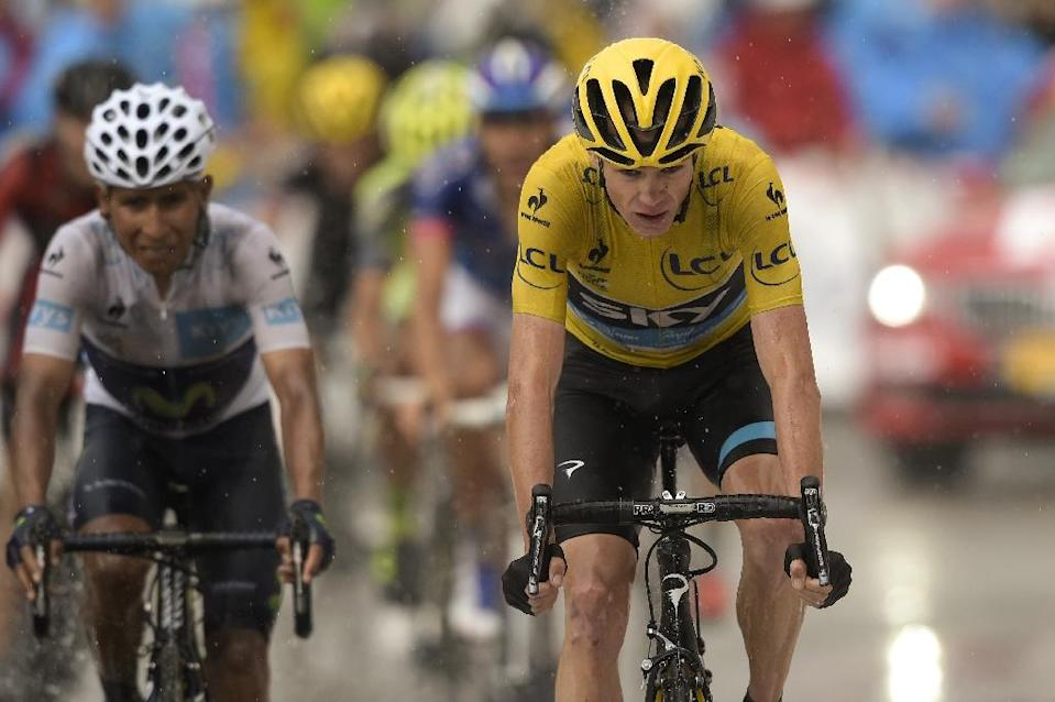 Great Britain's Christopher Froome (R) and Colombia's Nairo Quintana cross the finish line at the end of the twelfth stage of the Tour de France on July 16, 2015 (AFP Photo/Lionel Bonaventure)