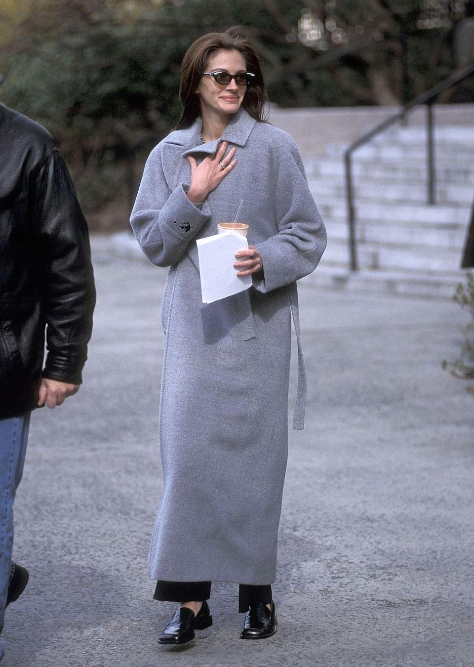 "<p>Julia Roberts sul set di ""Law & Order"" a New York nel 1999. </p>"