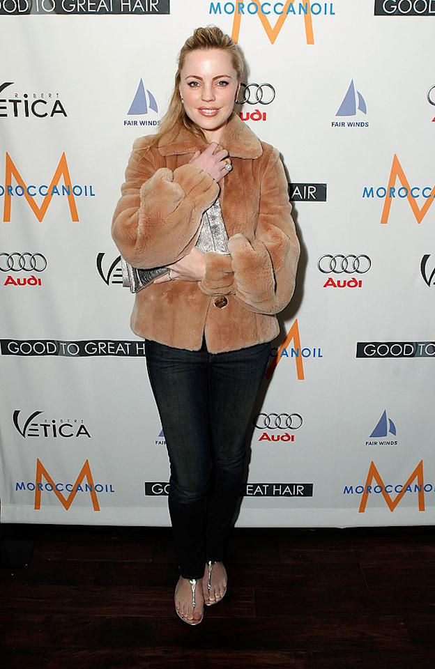 "Was it really cold enough for Melissa George to wear a faux fur along with sandals? Probably not. Jeff Vespa/<a href=""http://www.wireimage.com"" target=""new"">WireImage.com</a> - February 26, 2009"