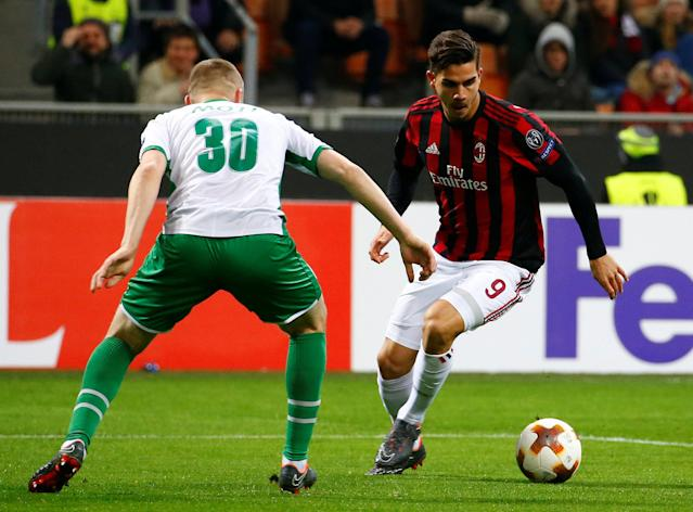 Soccer Football - Europa League Round of 32 Second Leg - AC Milan vs PFC Ludogorets Razgrad - San Siro, Milan, Italy - February 22, 2018 AC Milan's Andre Silva in action with Ludogorets' Cosmin Moti REUTERS/Tony Gentile