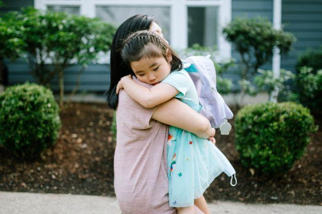Parents can help their children cope with anxiety by listening and encouraging them to share their feelings. (Photo: RyanJLane via Getty Images)