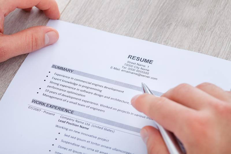 Does It Pay To Use A Resume Service New Data Says Yes
