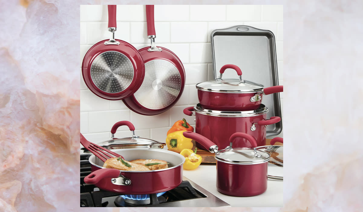 Rachael Ray wants to help you in the kitchen, with this set — $100 off! (Photo: Wayfair)